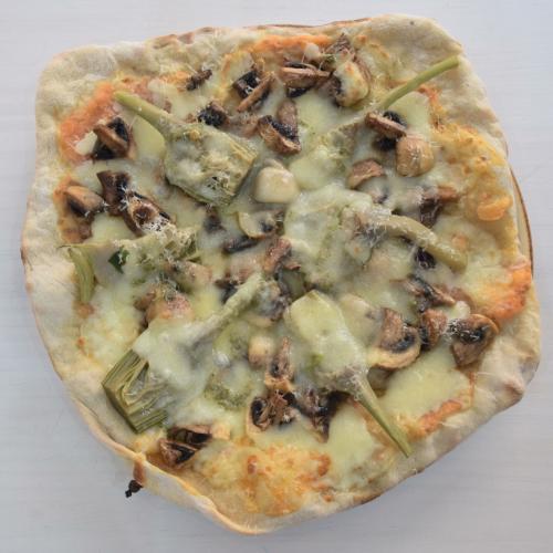 pizza de espelta y alcachofas